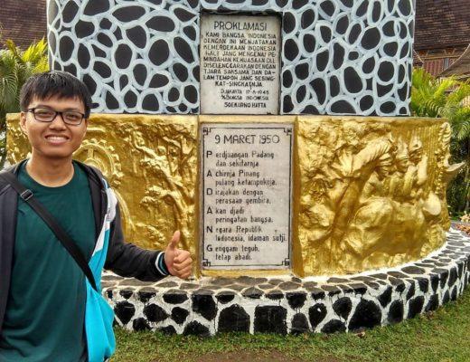 Tugu Padang